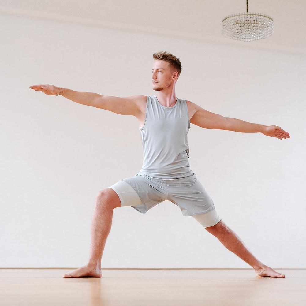 Doktor Yoga Teacher